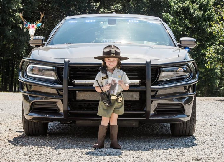 Daughter of fallen deputy honors father in birthday photos.