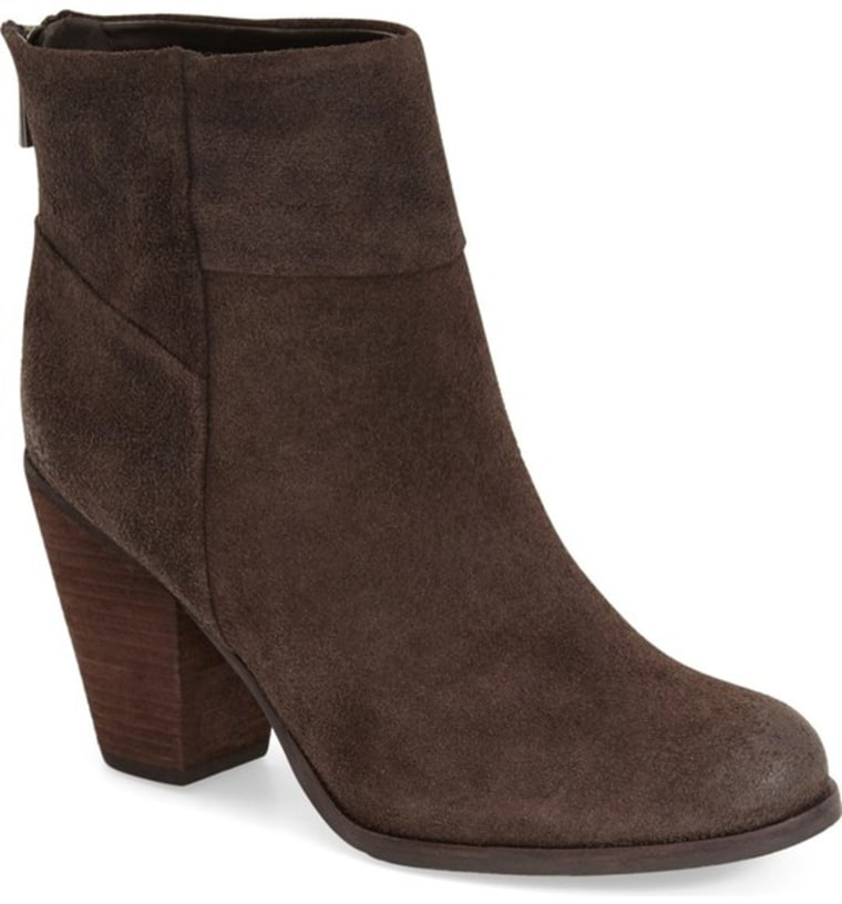 Arturo Chiang suede ankle boots