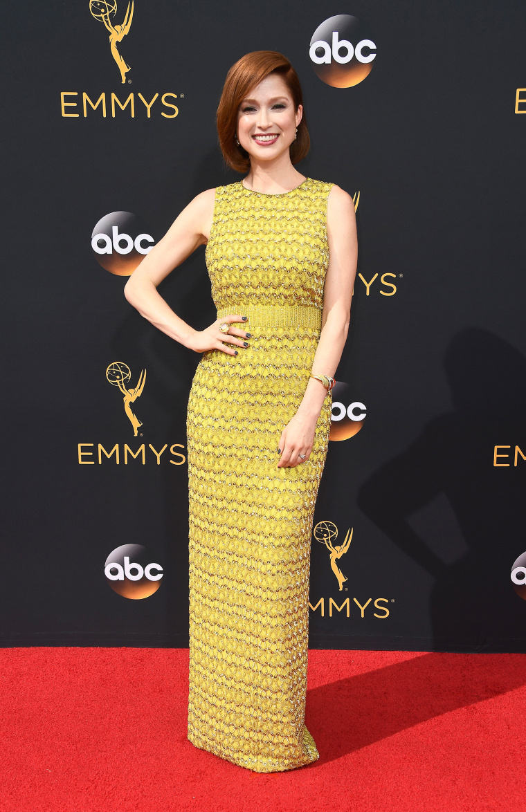 Ellie Kemper Emmys 2016 red carpet