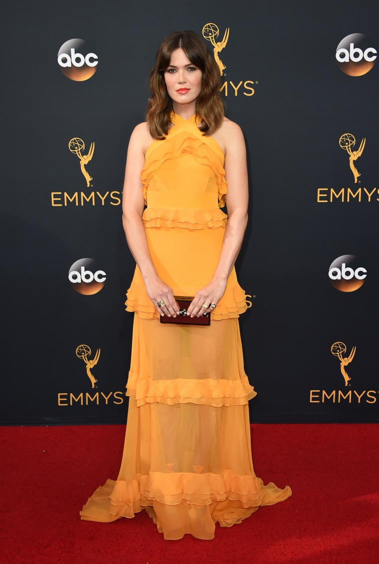 Mandy Moore Emmys red carpet 2016