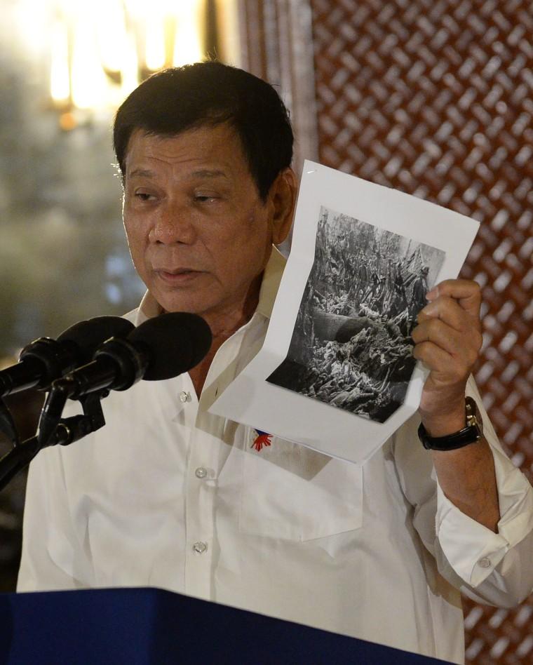 Image: Duterte talks about U.S. killings of Muslims in 1900s