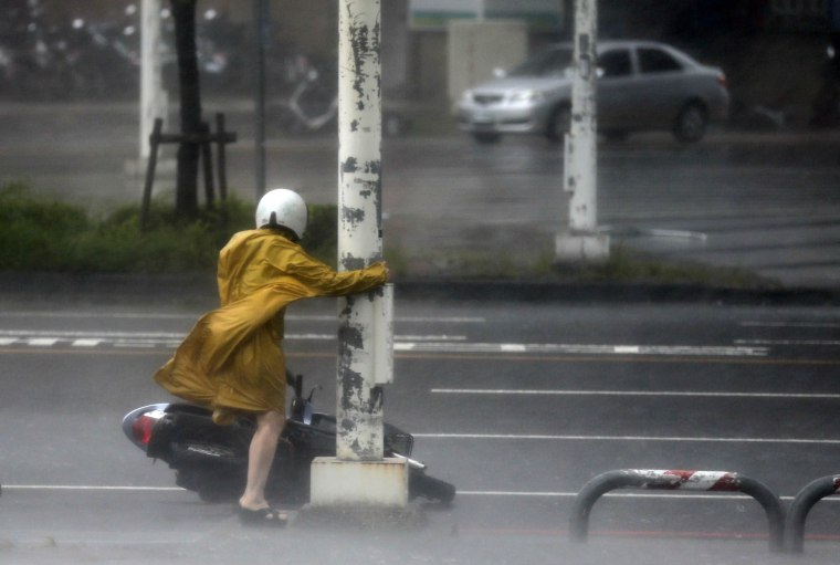 Image: Super Typhoon Meranti brings high winds and heavy rains to Taiwan
