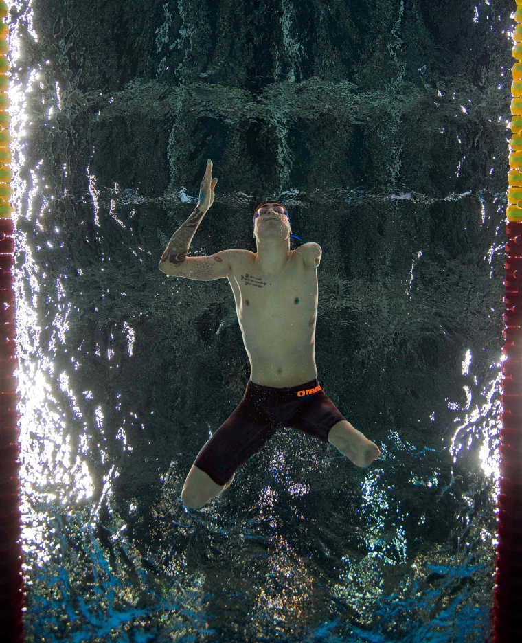 Image: TOPSHOT-SWIMMING-OLY-2016-PARALYMPIC