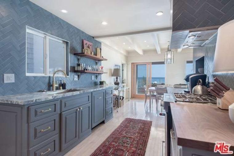 Leonard DiCpario's Malibu home