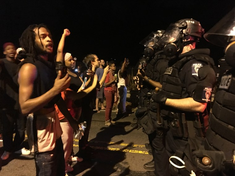 Image: Demonstrators and police in Charlotte, North Carolina,