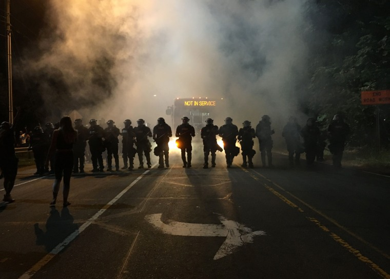 Image: CORRECTION-US-CRIME-POLICE-SHOOTING-PROTESTS-UNREST