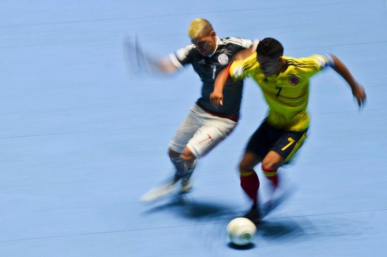 Image: TOPSHOT-FUTSAL-WC-2016-COL-PAR