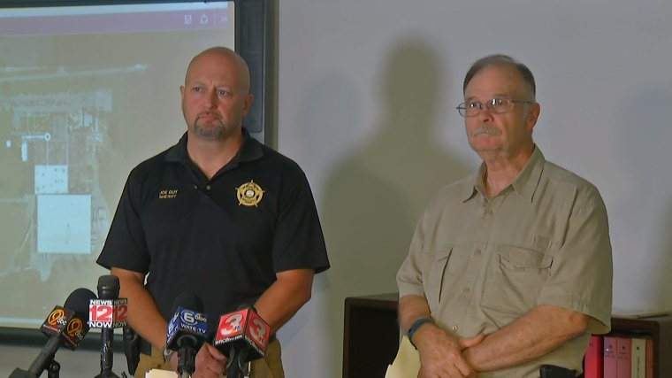 McMinn County Sheriff Joe Guy and Athens Police Department Chief Charles Ziegler.