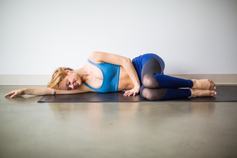 Supported fetal pose