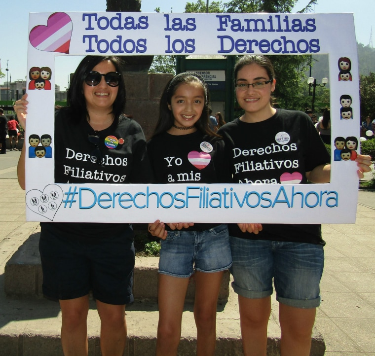 Claudia Amigo (left) with her daughter, Gabby (center), and partner Claudia Calderón (right).