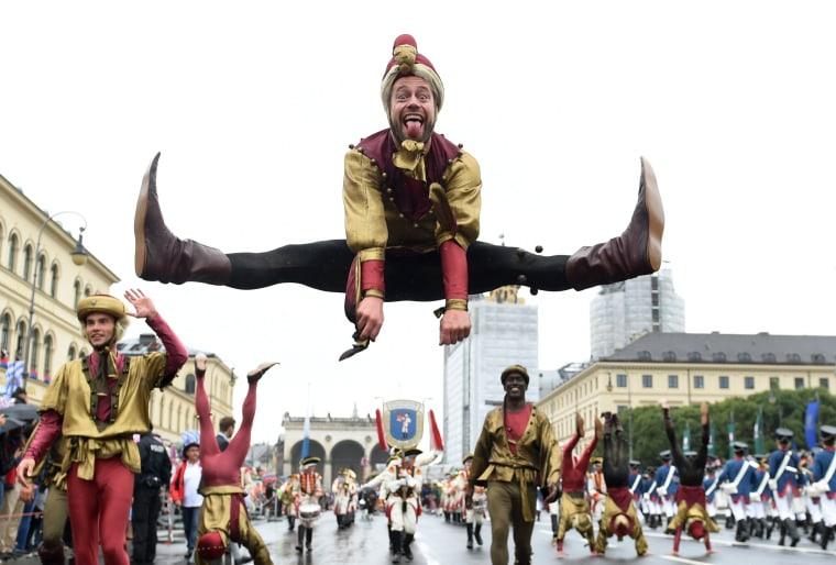 Image:GERMANY-BEER-FESTIVAL-OKTOBERFEST