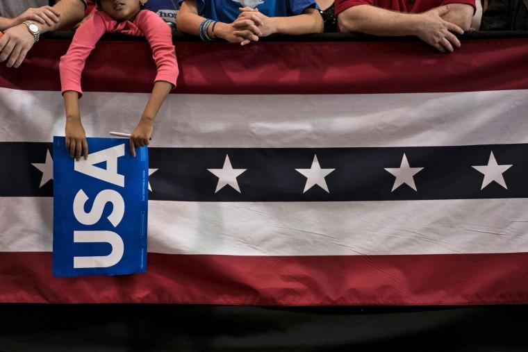 Image: TOPSHOT-US-VOTE-DEMOCRATS-CLINTON