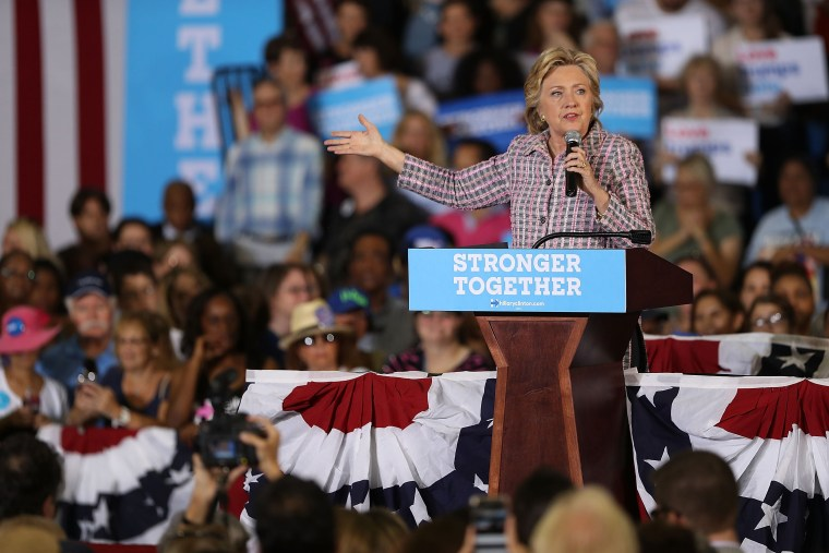 Image: Democratic Presidential Candidate Hillary Clinton Campaigns In Florida