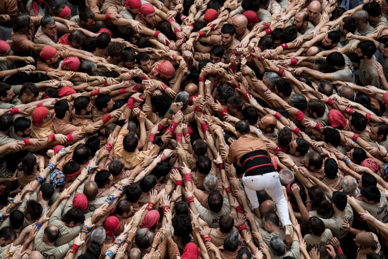 Image: Human Towers Are Built In The Tarragona Castells Competition