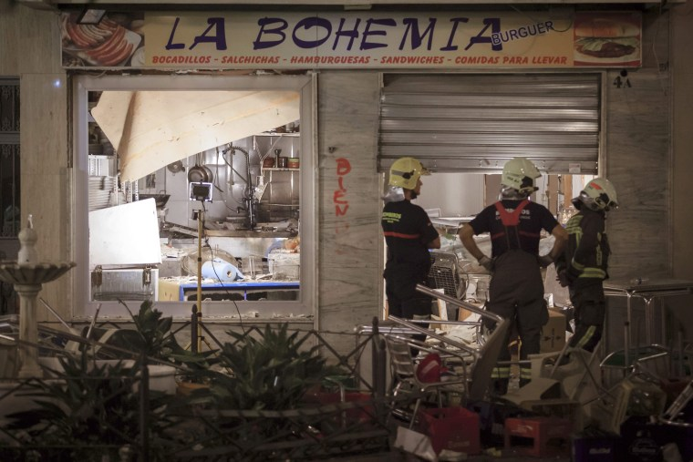 Image: 77 people were injured in restaurant blast