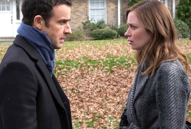 Emily Blunt and Justin Theroux in Girl on a train