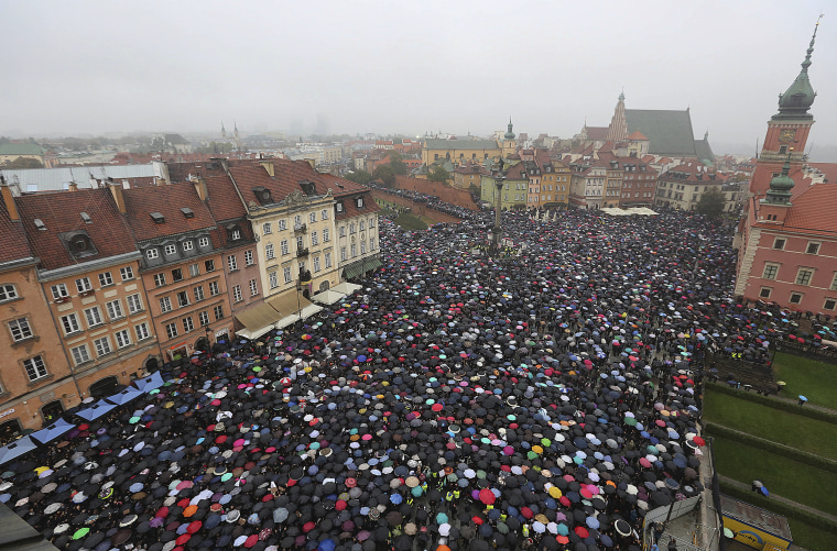 Polish Women Stage 'Black Monday' Strikes to Protest Abortion Law