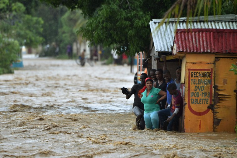 Image: HAITI-WEATHER-HURRICANE-MATTHEW-LANDFALL