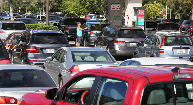 IMAGE: Line for gas in Florida