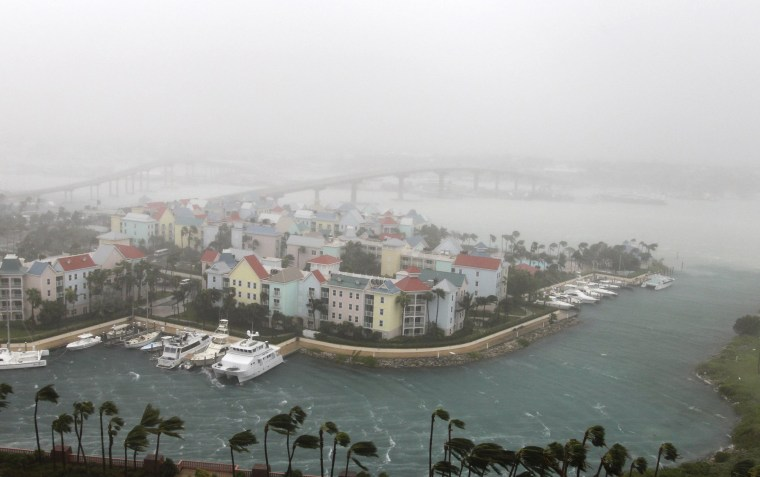 Image: Hurricane Matthew moves through Paradise Island in Nassau, Bahamas