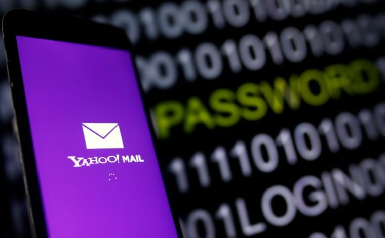 Lawmakers Ask the White House to Review Yahoo's Email Spying