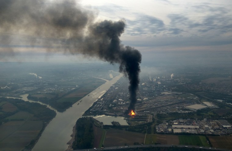 Image: TOPSHOT-GERMANY-ACCIDENT-CHEMICAL
