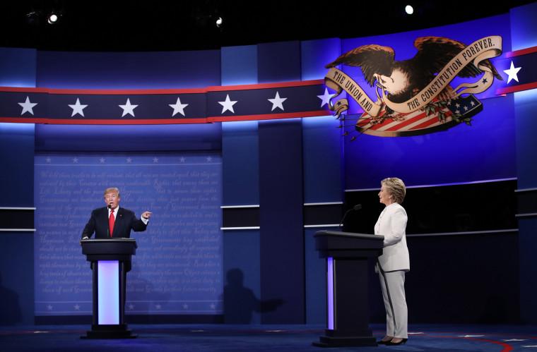 Image: Trump speaks at the final presidential debate