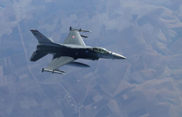Image: Turkish Air Force's non-stop flight