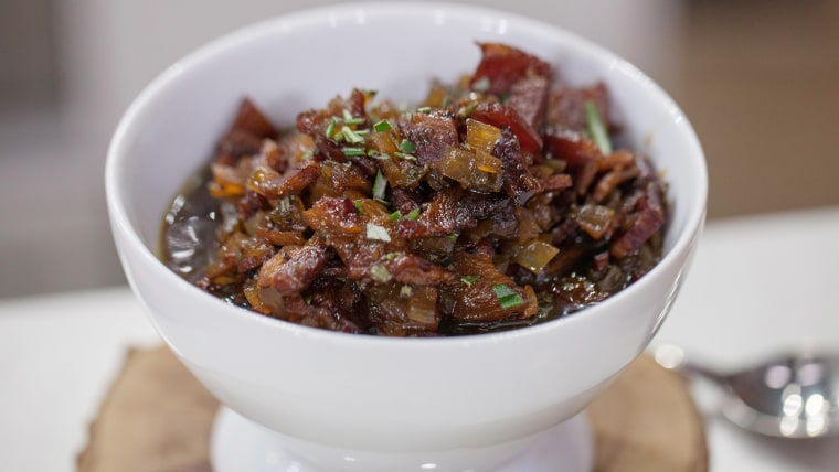 Bacon marmalade. Make 5 mouth-watering breakfasts out of this brown sugar-black pepper bacon.