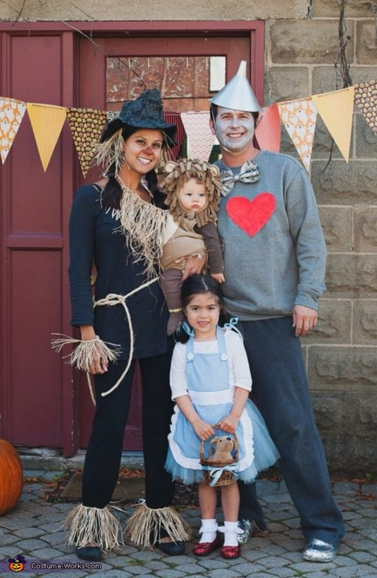 Family Halloween Costumes 8 Pinterest Ideas To Inspire You