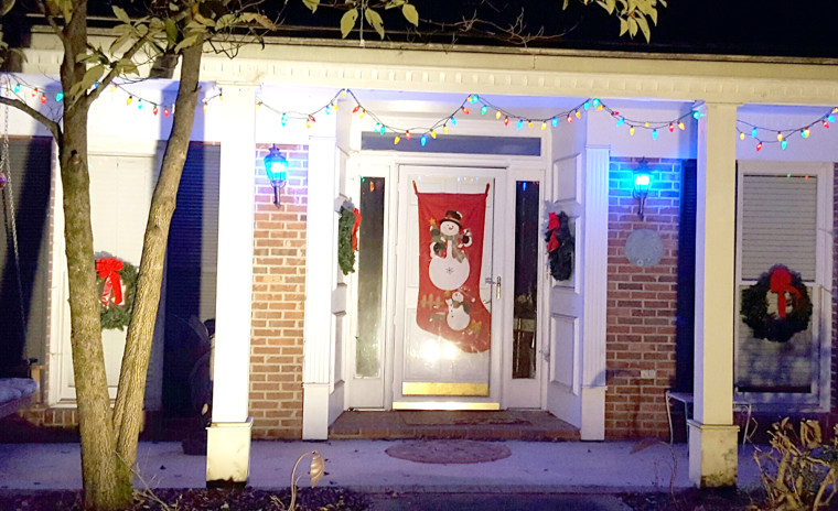 Neighbors decorate homes early to honor woman with cancer's wish for one last Christmas