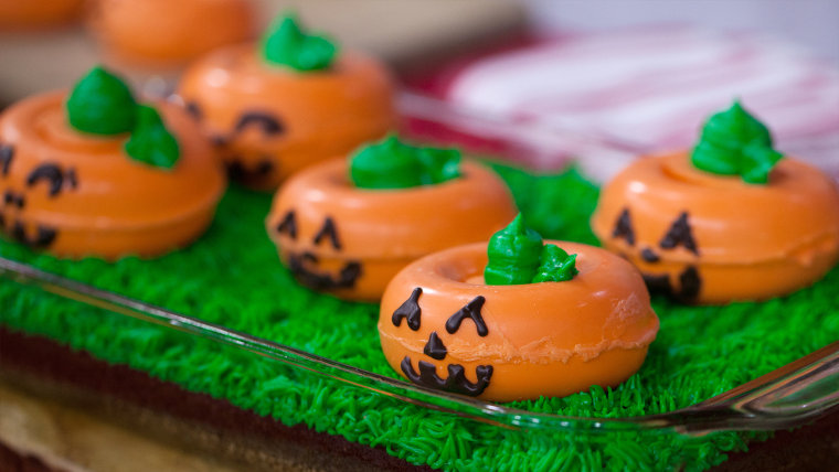 Elise Strachan:6 frighteningly fantastic Halloween desserts'Light Up' Chocolate Brownie Pumpkins. TODAY, October 27th 2016.