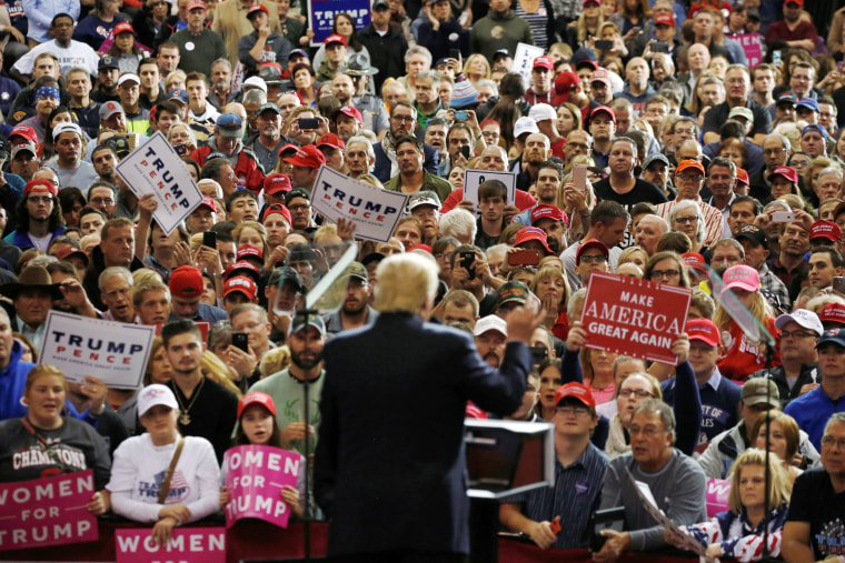 Image: Trump holds a campaign rally in Cleveland, Ohio