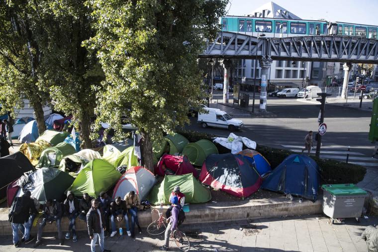 Image: Migrants crisis in Paris
