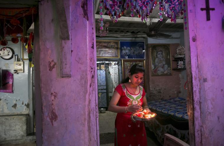 Image: Indians Celebrate Diwali in Mumbai