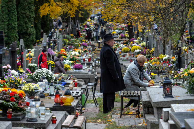 Image: Wola Cemetery - All Saint's day