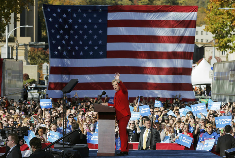 Image: U.S. Democratic presidential nominee Hillary Clinton waves to crowd at a campaign rally in Pittsburgh Pennsylvania
