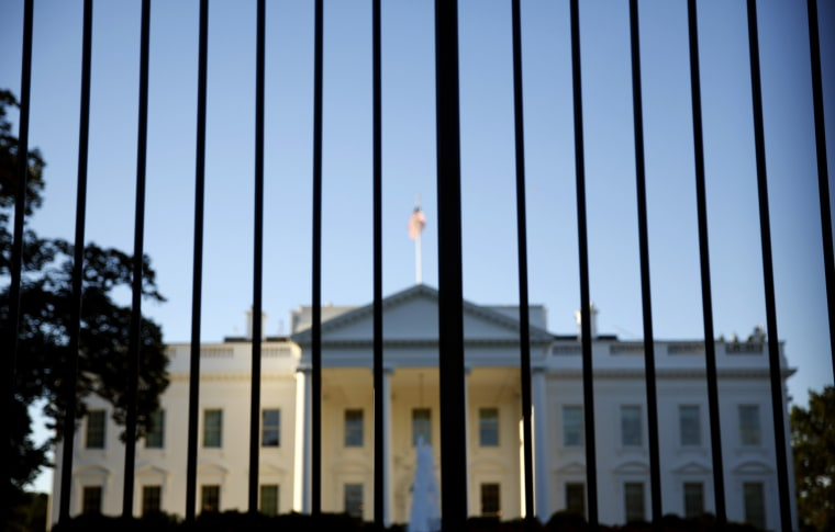 Image: The White House seen from outside the north lawn fence in Washington