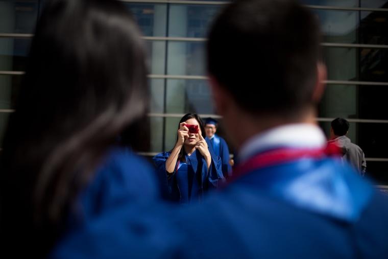 Image: Graduating-weak-economy