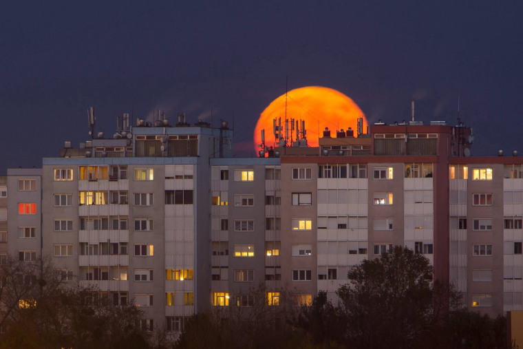 Image: Supermoon in Hungary