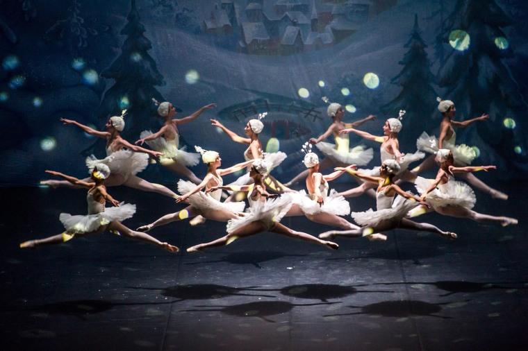 Image: Le Classique performs the Nutcracker