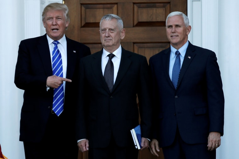 Image: Trump and Pence greet Mattis in Bedminster