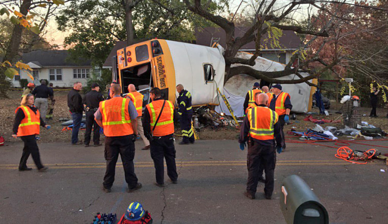 Image: Chattanooga bus crash