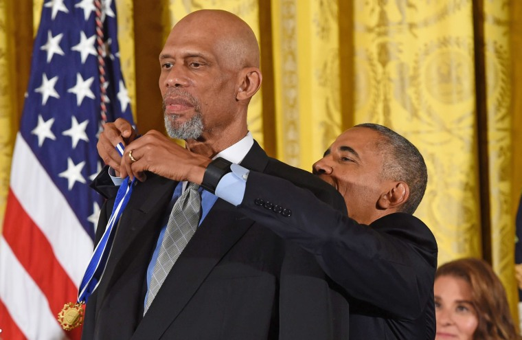 Image: US-POLITICS-OBAMA-MEDAL OF FREEDOM