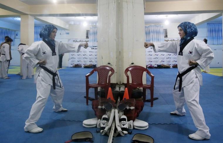 Image: Afghan girls practice Taekwando in Kabul