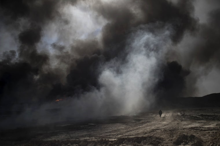 Image: Burning oil fields in Iraq