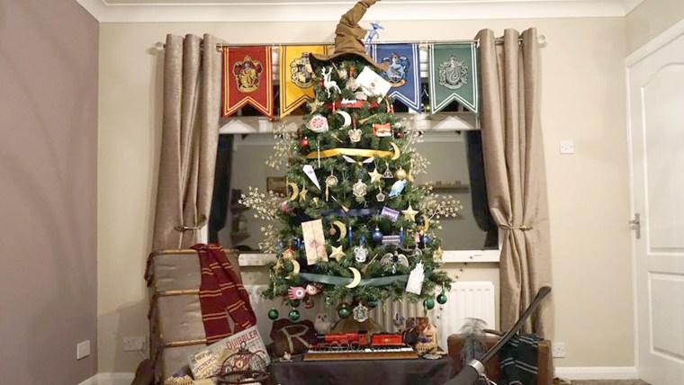 Harry Potter-themed Christmas tree
