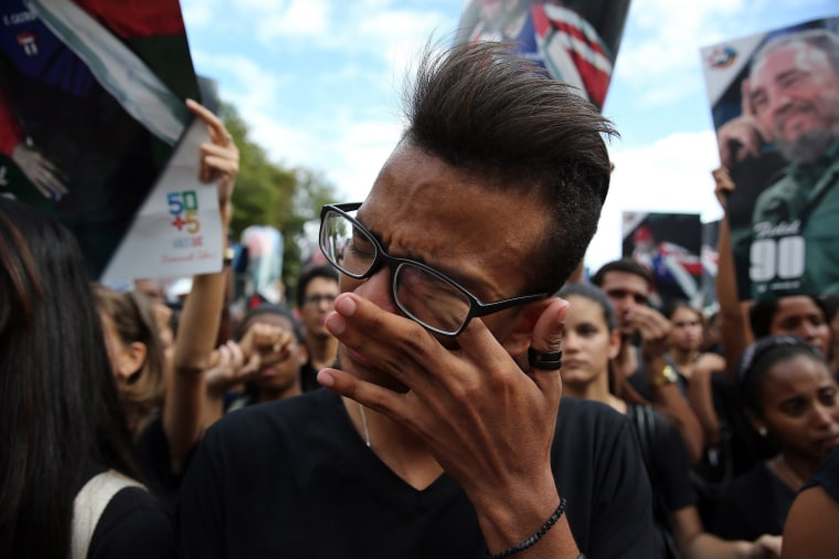 Image: Reactions in Havana after Castro's death