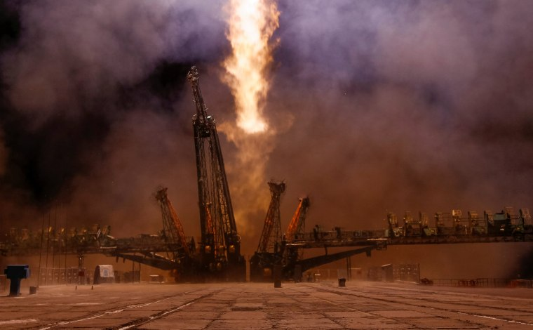 Image: The Soyuz MS-03 spacecraft carrying the crew of Whitson of the U.S., Novitskiy of Russia and Pesquet of France blasts off to the International Space Station (ISS) from the launchpad at the Baikonur cosmodrome, Kazakhstan