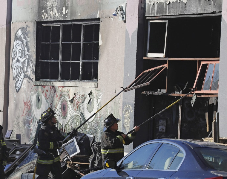 Image: Warehouse fire kills large number of people